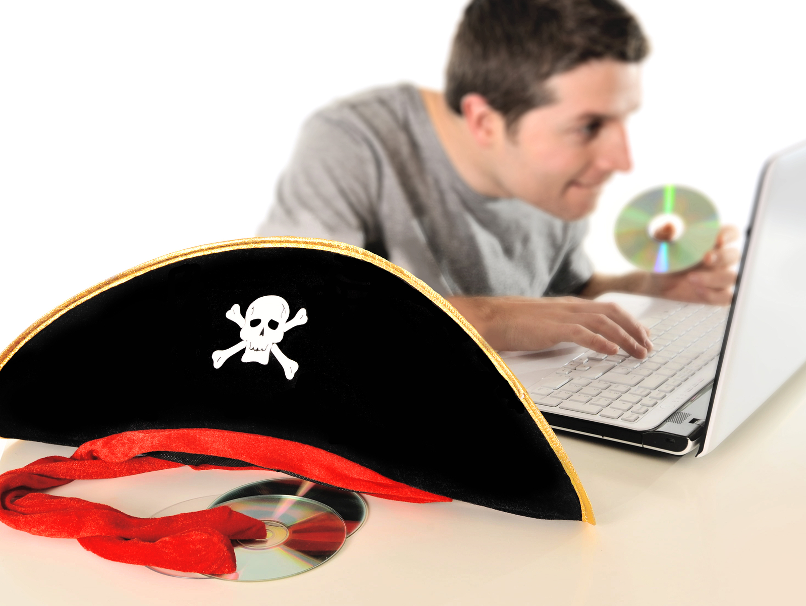 Online pirate