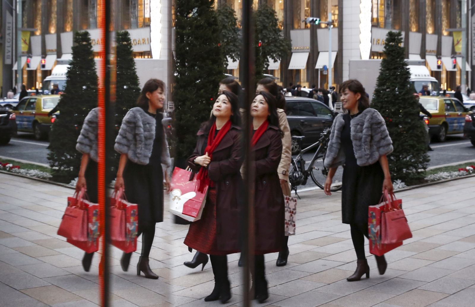 United Kingdom consumers keep spending despite expectations of a post-Brexit slump