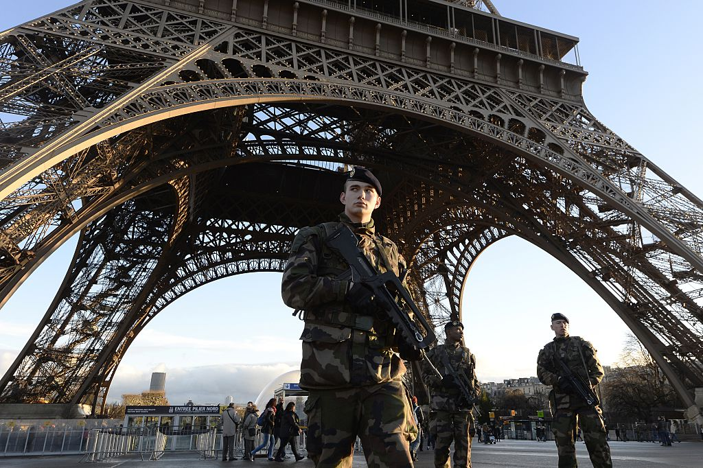 French soldiers Eiffel tower