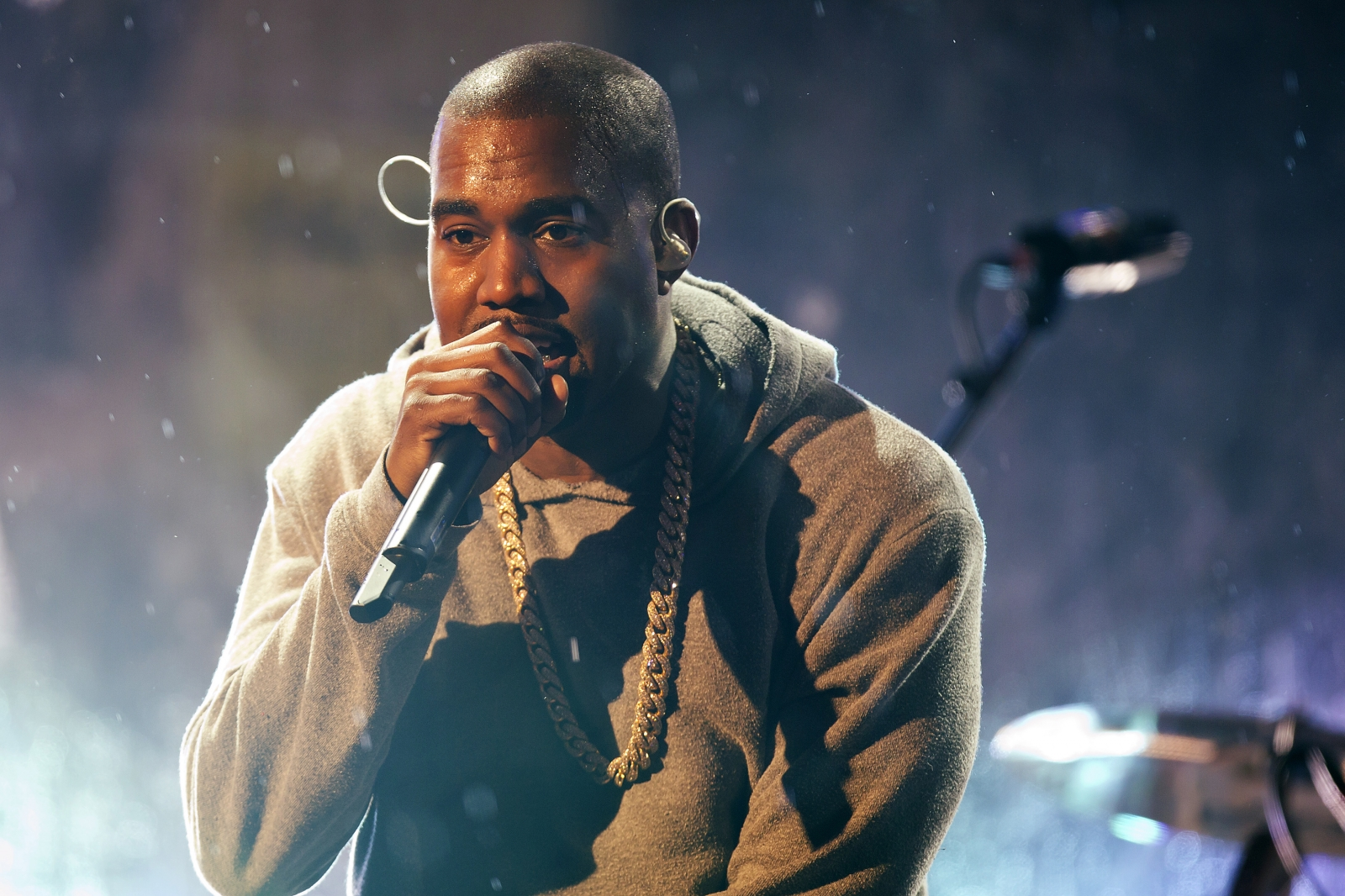 Kanye West's The Life Of Pablo was ommitted from the album of the year ...  Kanye West