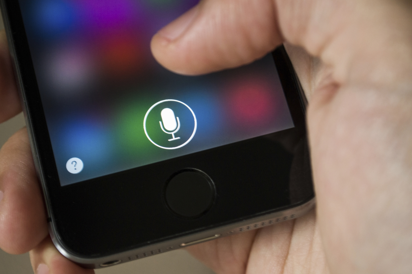 Using the in-built microphone on an iPhone