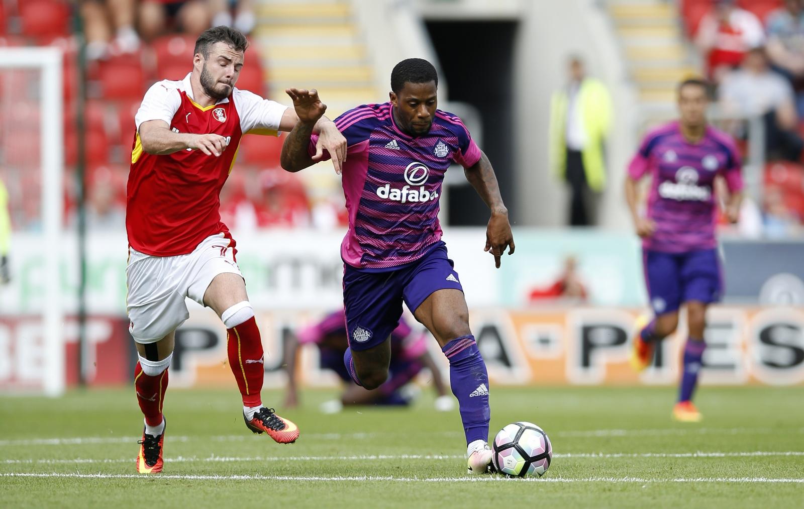 Lamine Kone: Sunderland defender tells David Moyes he wants to leave