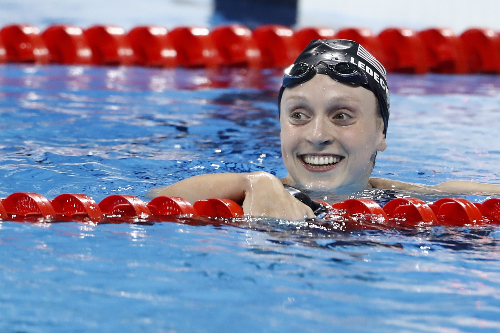 Katie Ledecky shatters world record in 800 free, wins gold