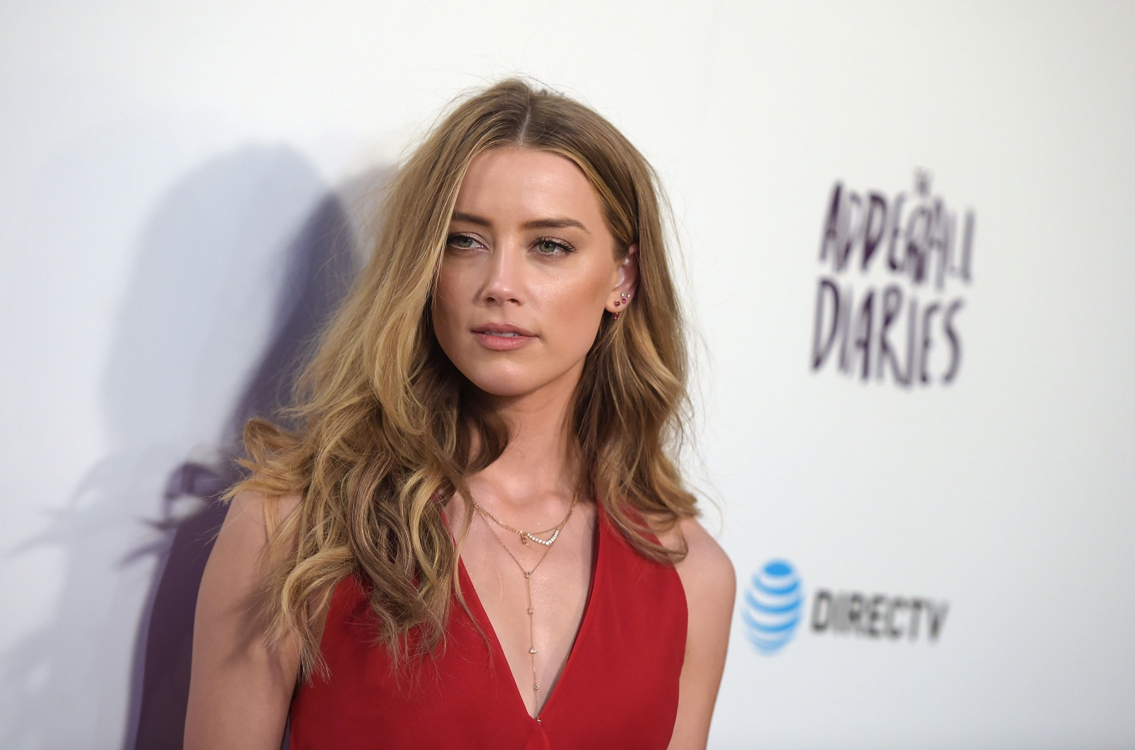 Smashes Wine Glass In Drunken Rage; Amber Heard Denies Leaking It