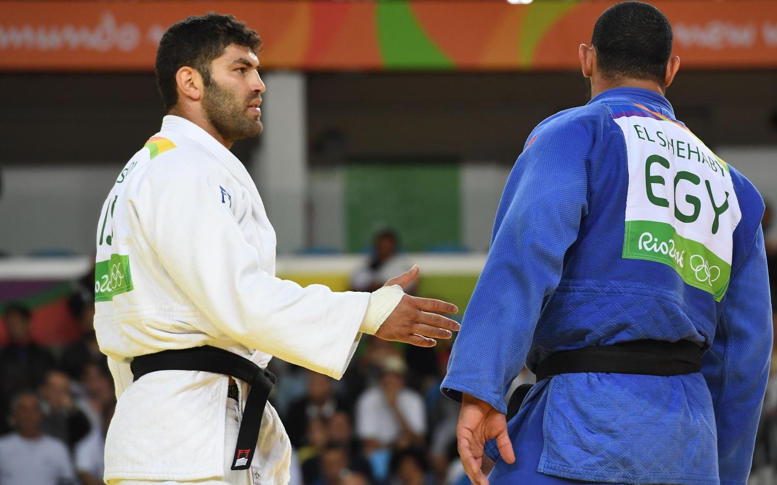 Judo handshake snub
