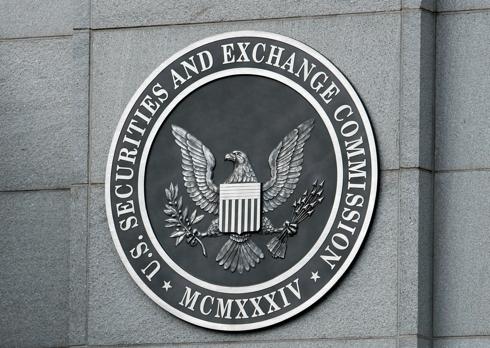 US Commission Issues Subpoenas to Firms Linked to Cryptocurrencies