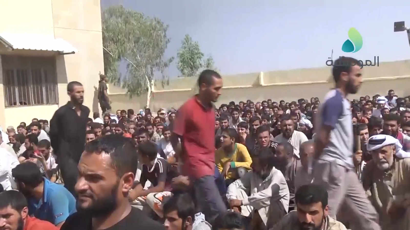 Liberated Iraqis identify defected IS supporters