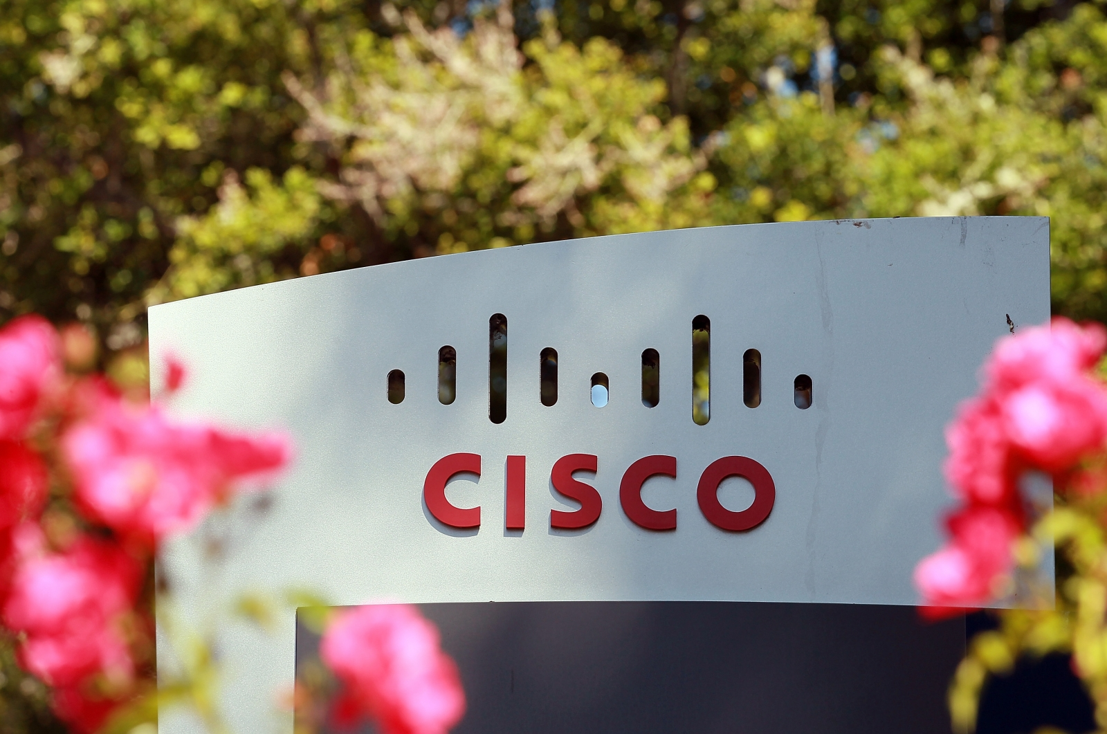 Cisco to lay off 14,000 employees