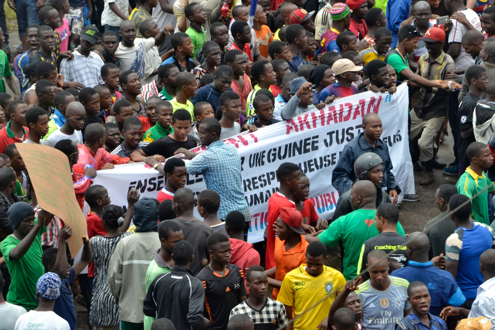 Guinean opposition supporters march