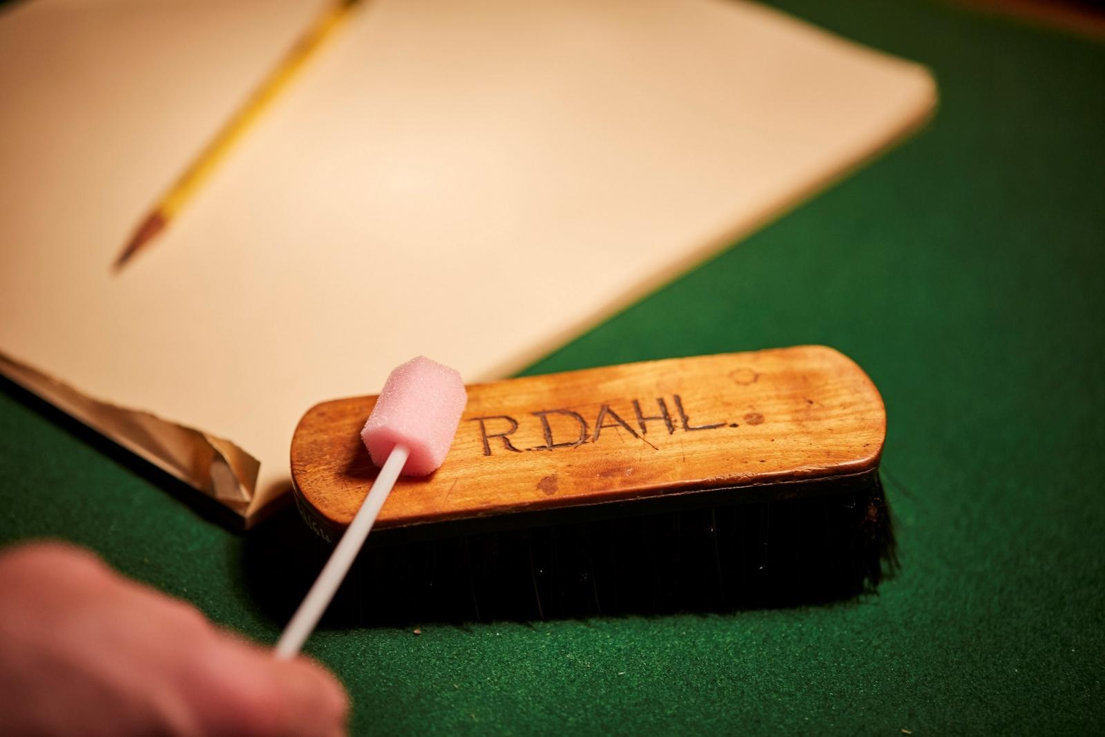 Swabbing Roald Dahl's chair for yeast cultures