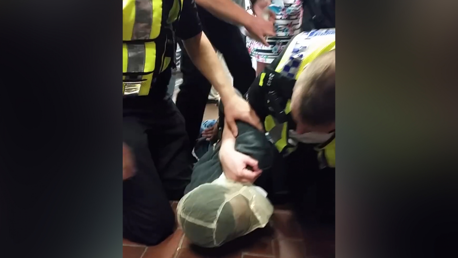 Investigation launched after police force hood over man's head at London Bridge station
