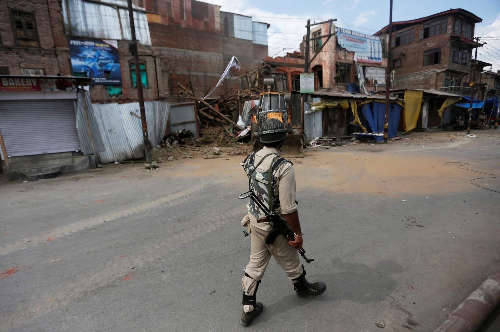 Kashmir unrest curfew