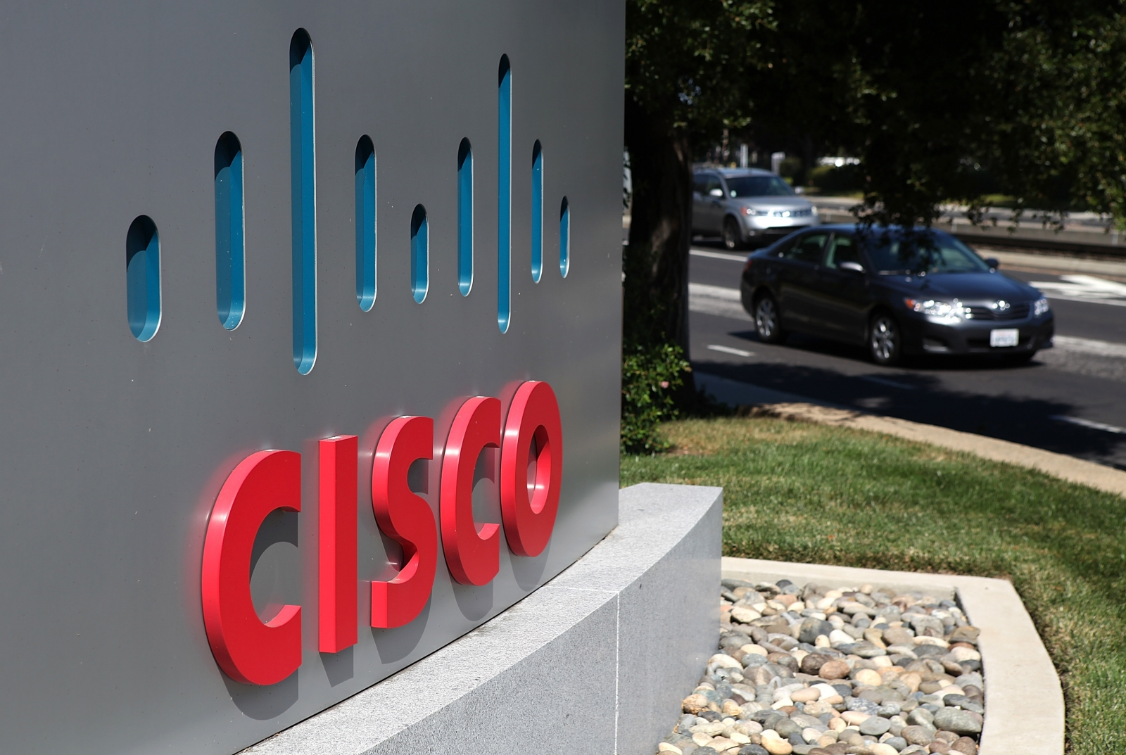 Cisco to lay off 5500 jobs