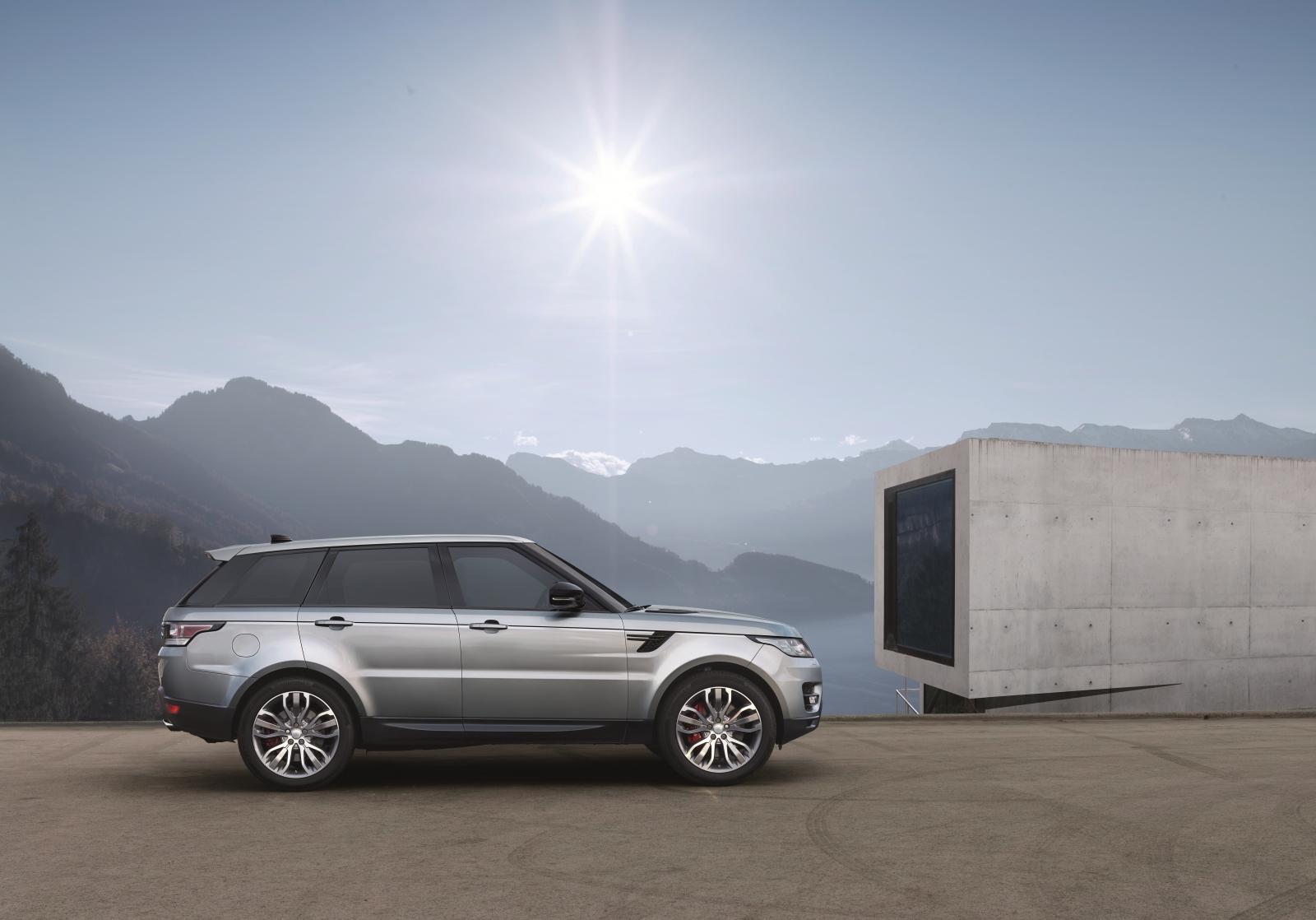Range Rover introduces autonomous driving features