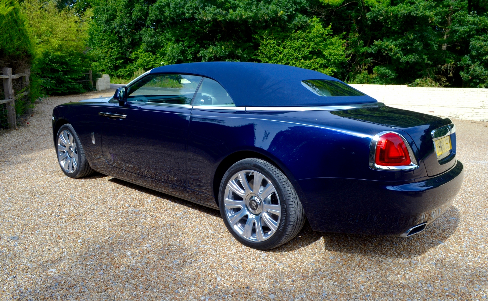 100 Rolls Royce Light Blue 2016 Rolls Royce Dawn