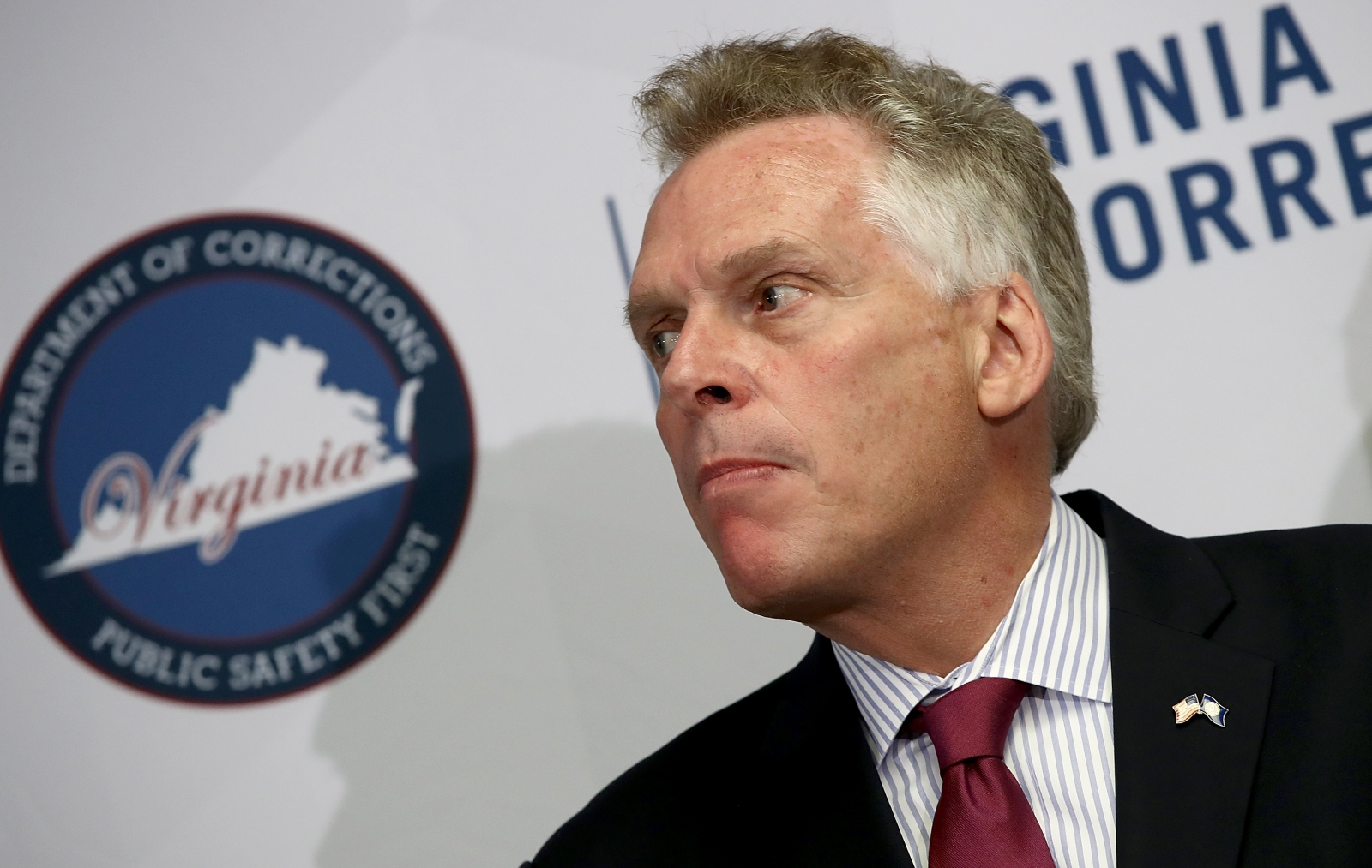 Virginia governor restores voting rights to 13000 felons