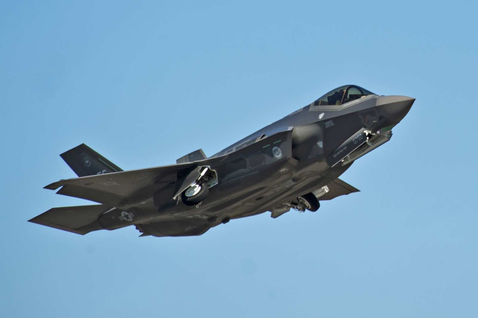 US military begins deployment of F-35 fighters to Japan