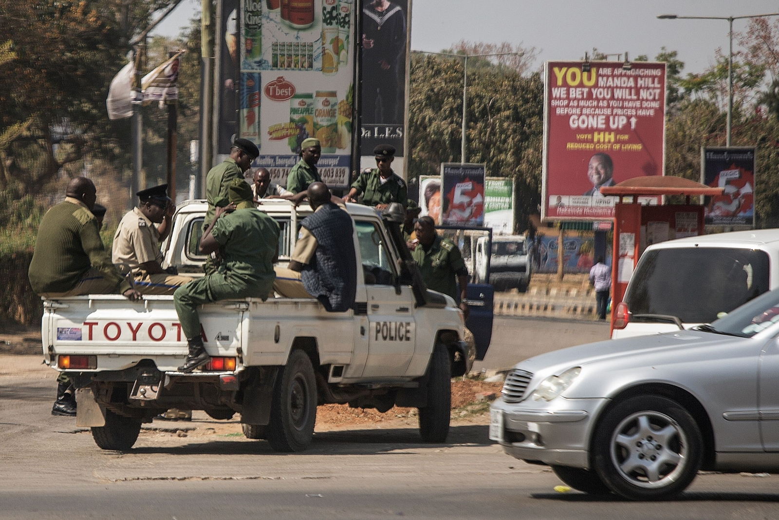 Police in Zambia elections