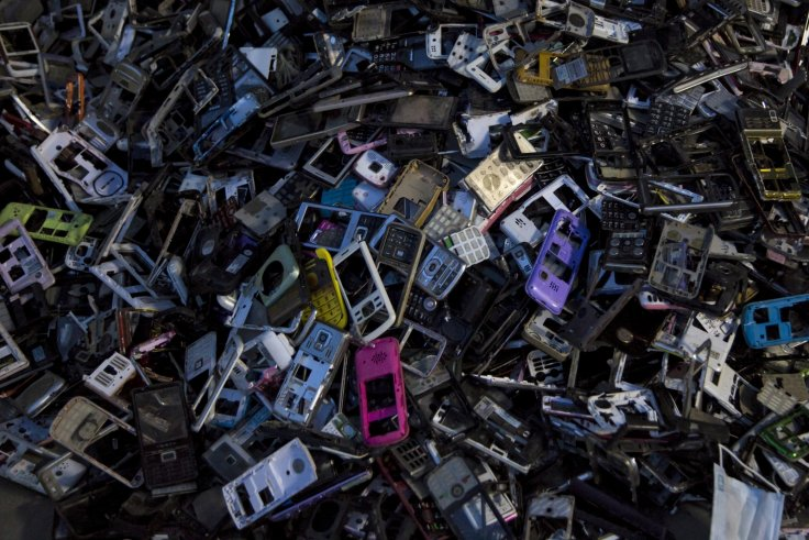 e-waste old smartphones