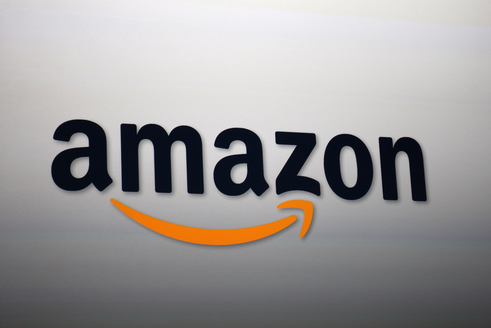 Amazon working on $5 music streaming service