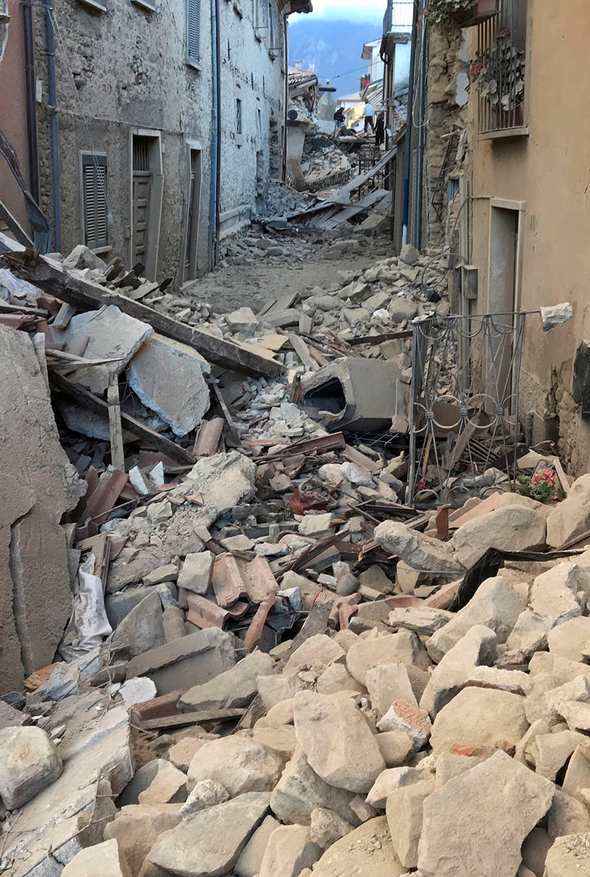 Death toll rises to 159 in central Italy quake - The Blade |Italian Earthquake