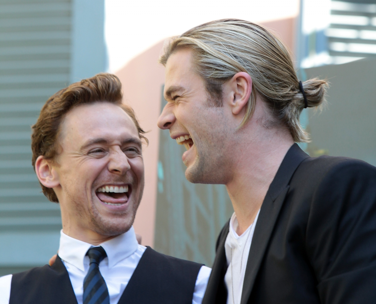 Chris Hemsworth and Tom Hiddleston delight fans at children's hospital