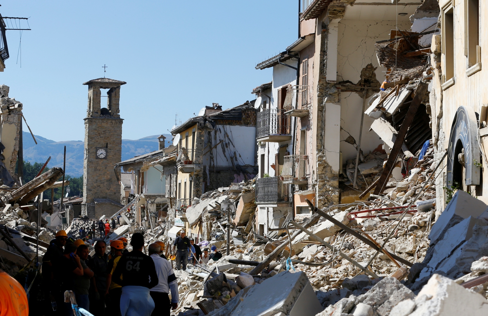 Strong Earthquake hits the Central Italy | This is Italy |Italian Earthquake