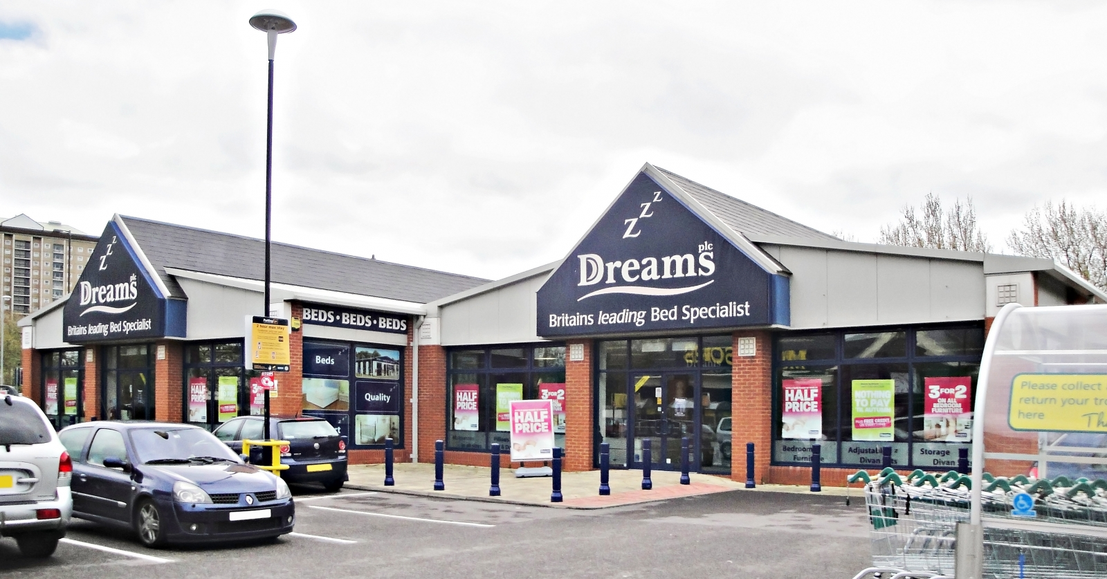Dreams bed retailer