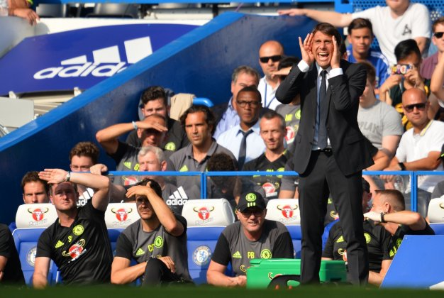 Antonio Conte urges his side on