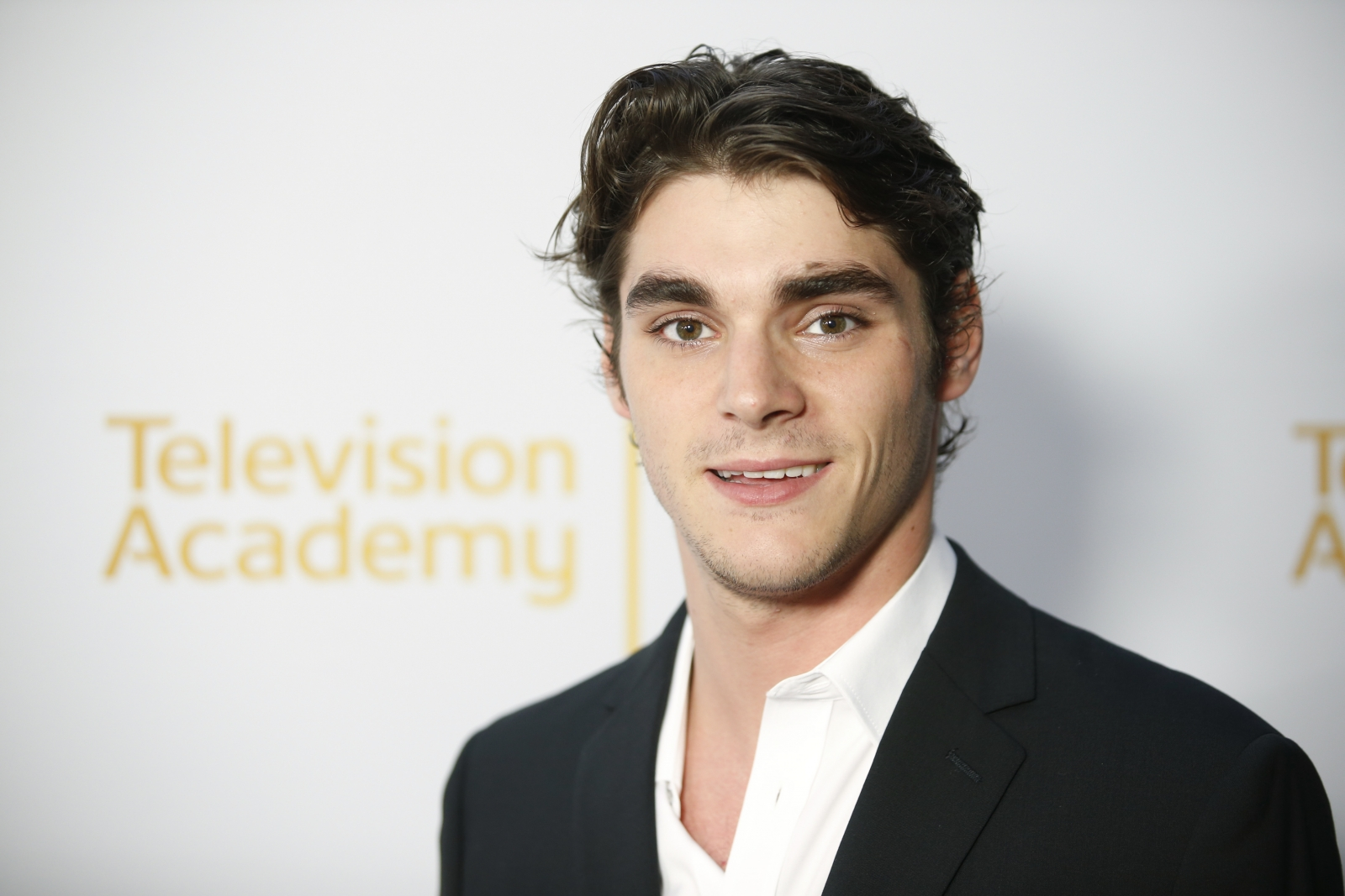 Breaking Bad's RJ Mitte calls on TV to hire disabled actors