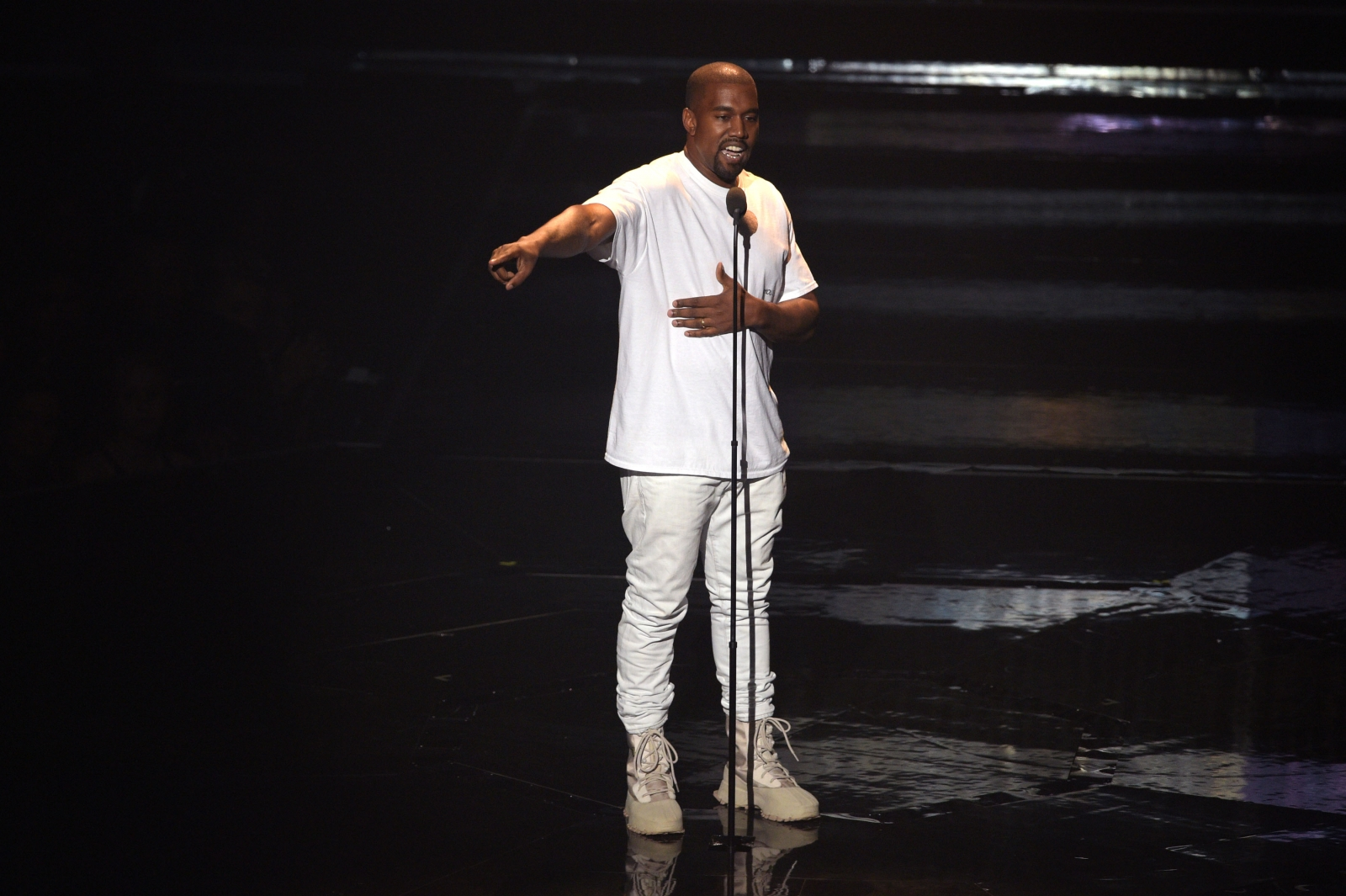 Kanye West at MTV VMAs 2016
