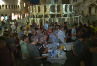 Italian towns cook up pasta all'Amatriciana in support of quake victims