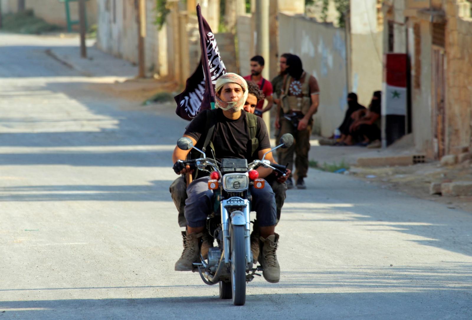 Syrian gov't air strikes target rebel-held areas in Hama