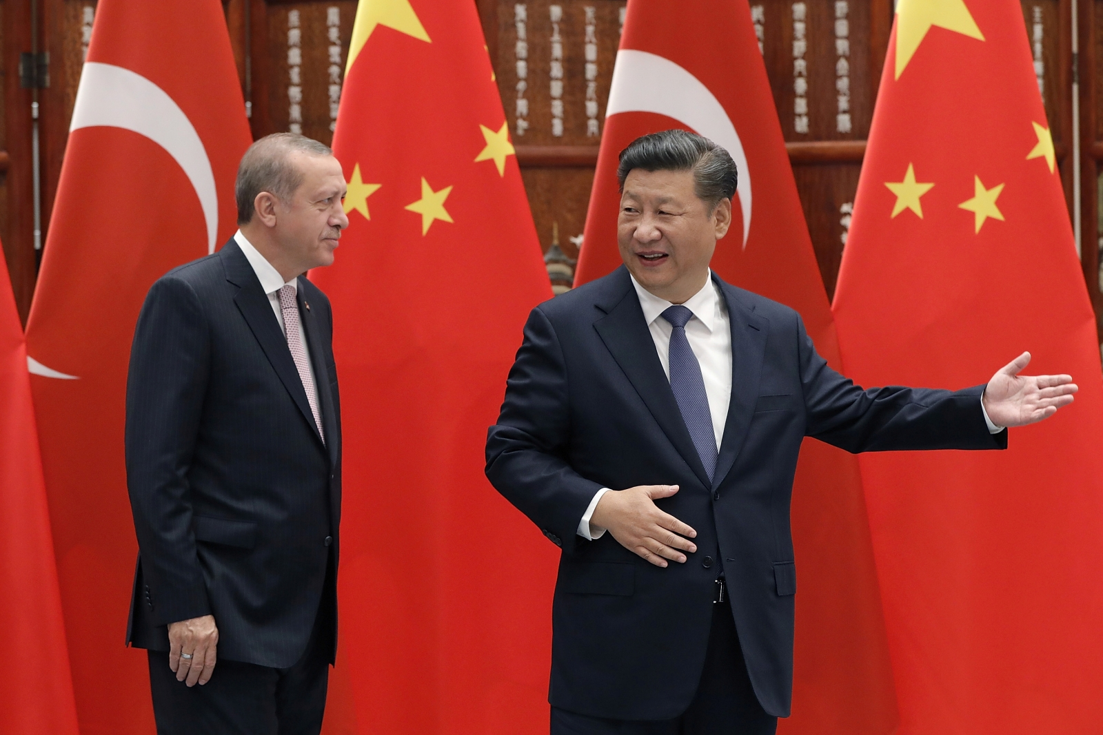 President Xi Jinping of China and President Recep Tayyip Erdogan of Turkey, meeting at the G20 Summit. (Photo courtesy of International Business Times)