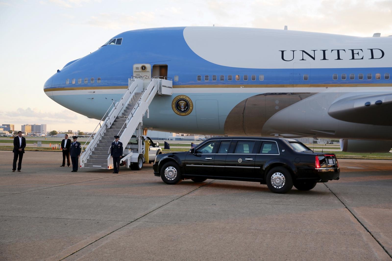Barack Obama Air Force One China