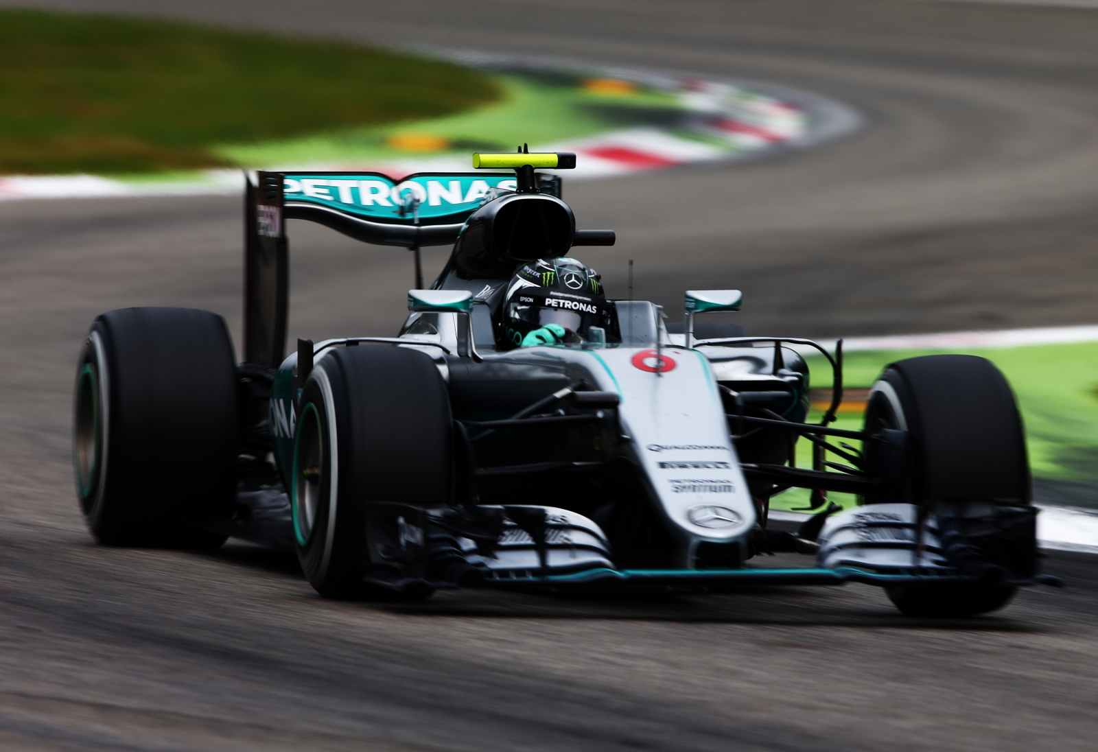 italian grand prix nico rosberg wins in monza to close the gap to lewis hamilton. Black Bedroom Furniture Sets. Home Design Ideas