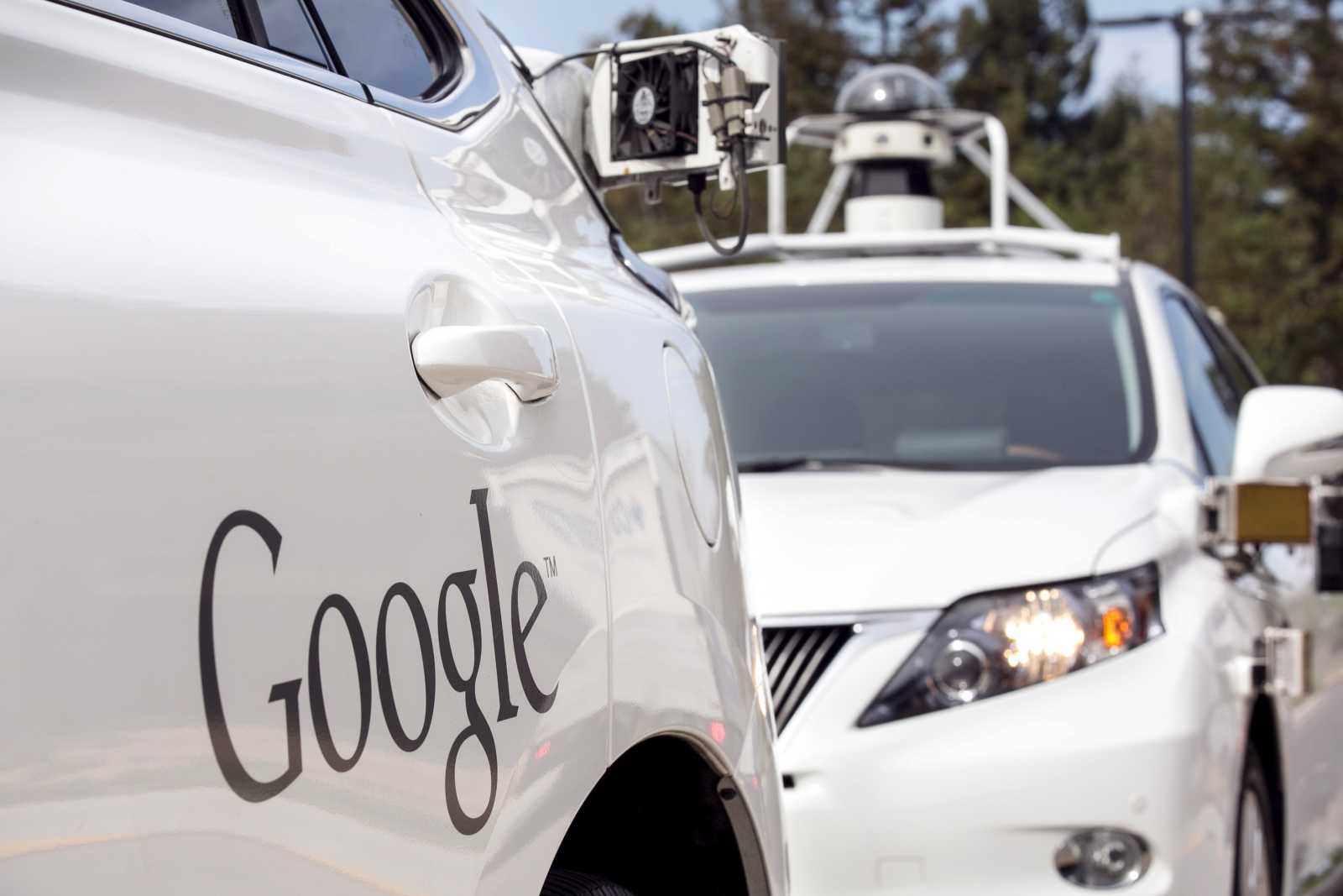 Google self-driving cars to detect police car