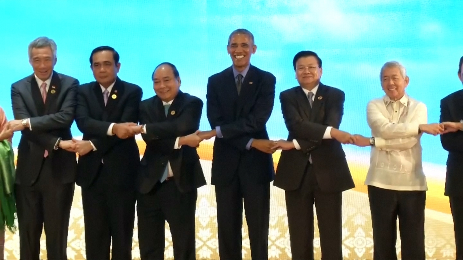 Obama attends ASEAN meeting in Laos