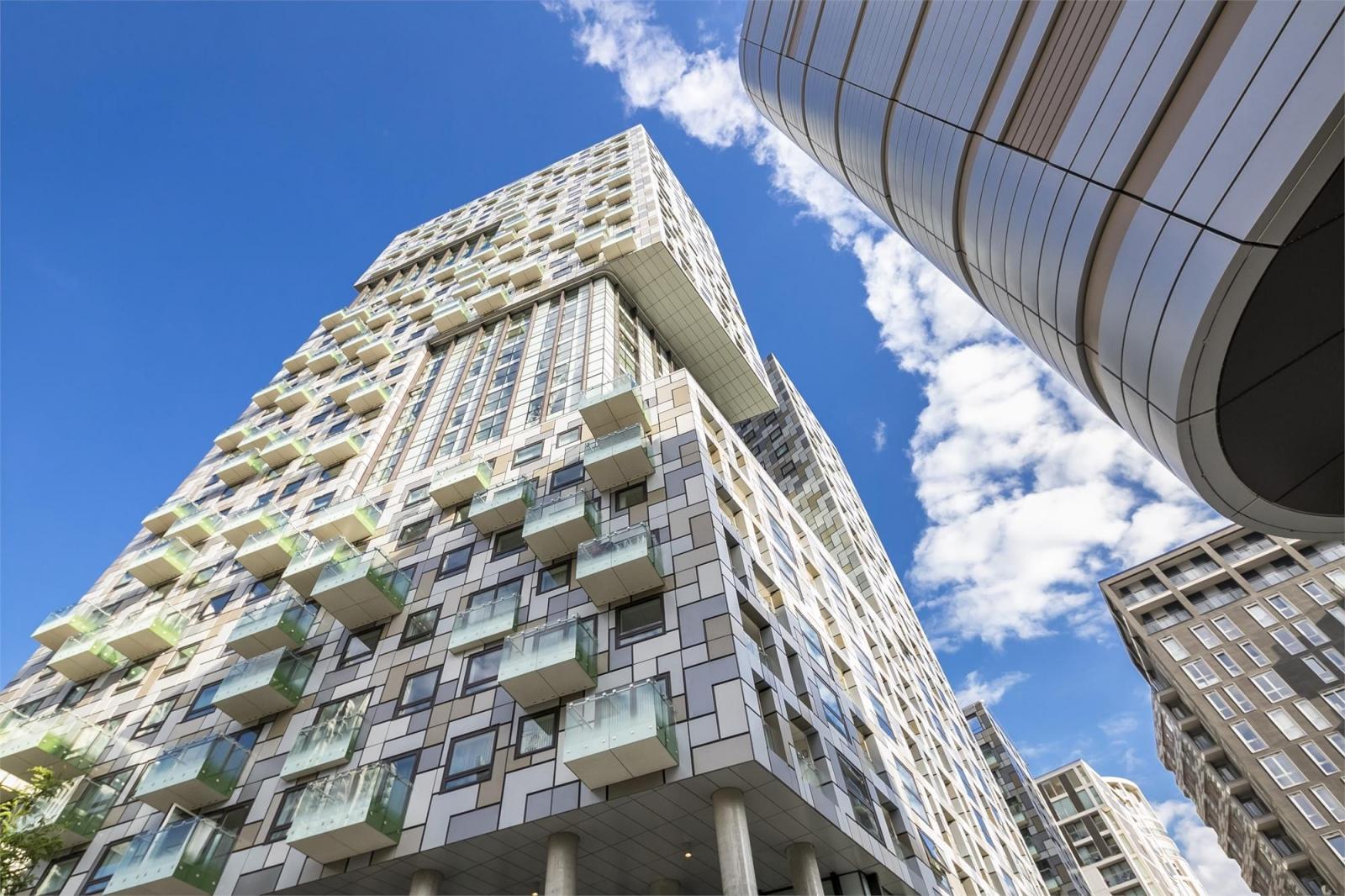 Lincoln Plaza London property Canary Wharf