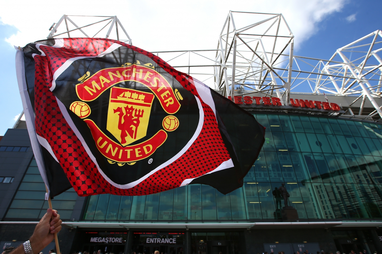 Manchester united scout sent to iceland left disappointed after manchester united flag voltagebd Image collections