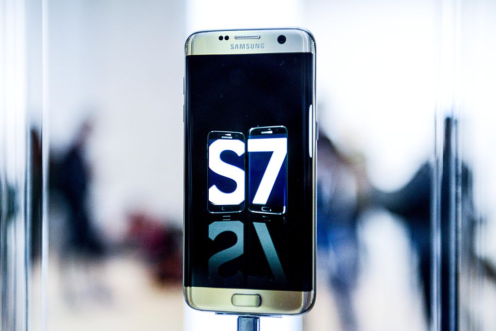 A Samsung Galaxy S7 phone