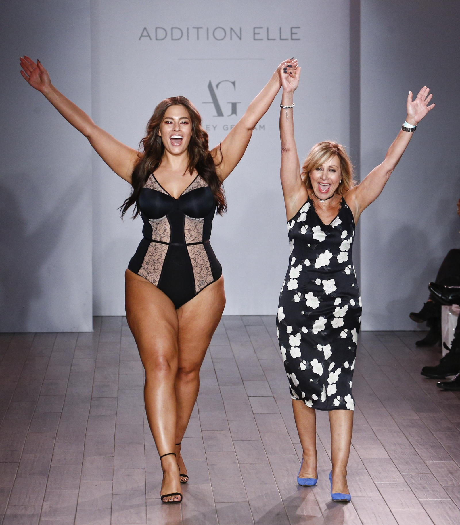 New York Fashion Week Plus Size Model Ashley Graham Models Lingerie On Runway