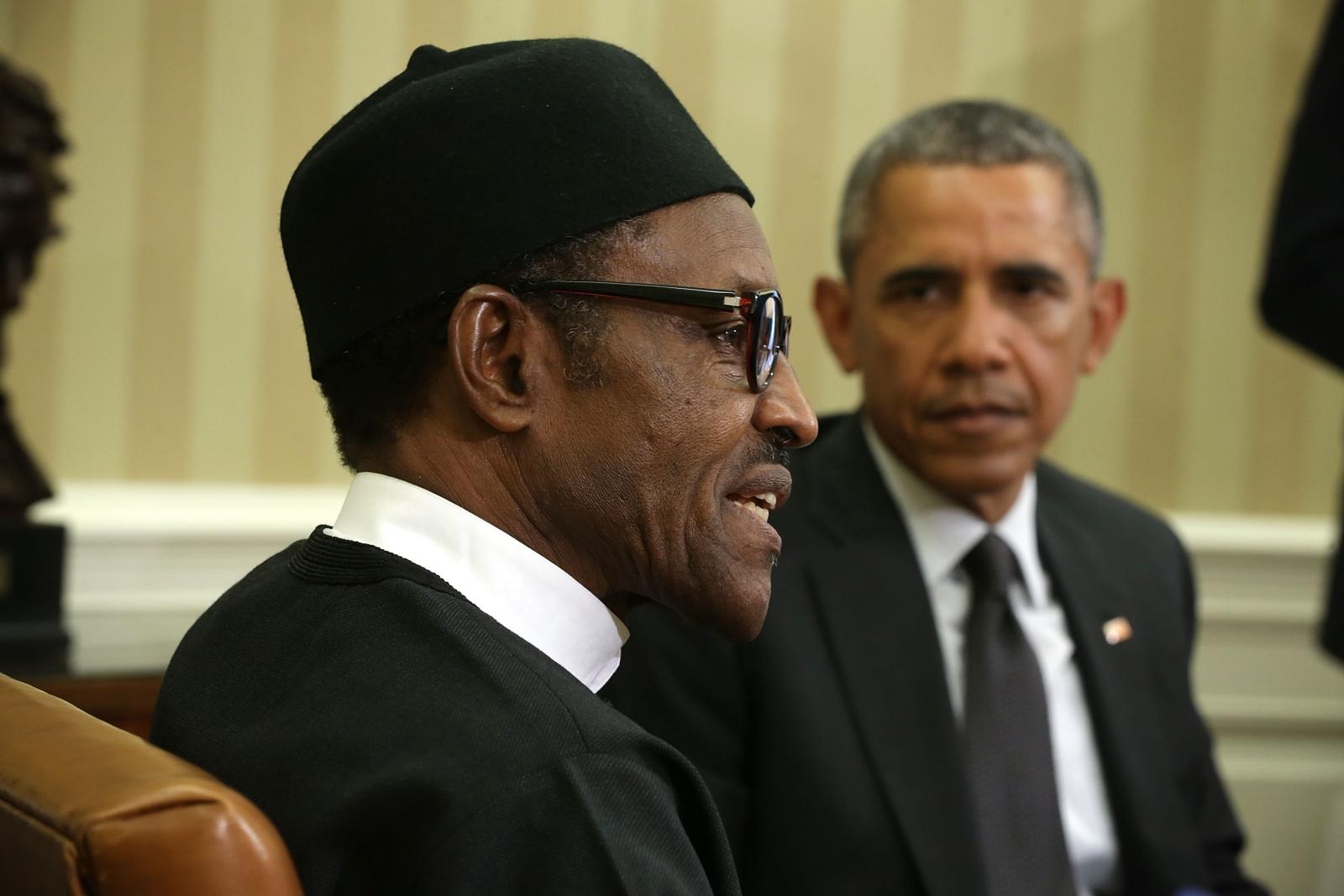 US President Barack Obama (R) Nigerian President Muhammadu Buhari