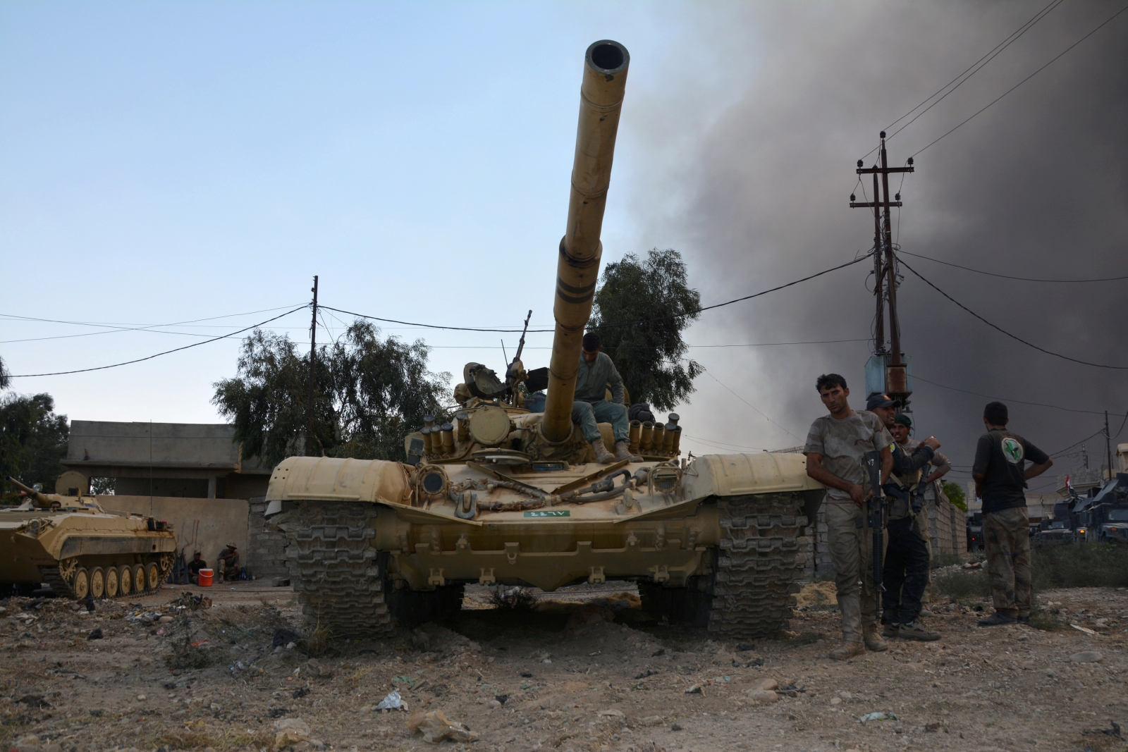 United States troops support Iraqi efforts to capture last ISIS-held city, Mosul
