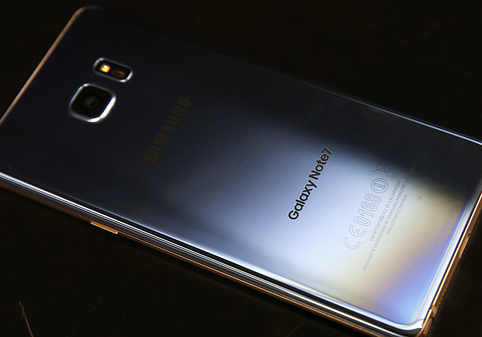 Samsung sued over Galaxy Note 7 explosion