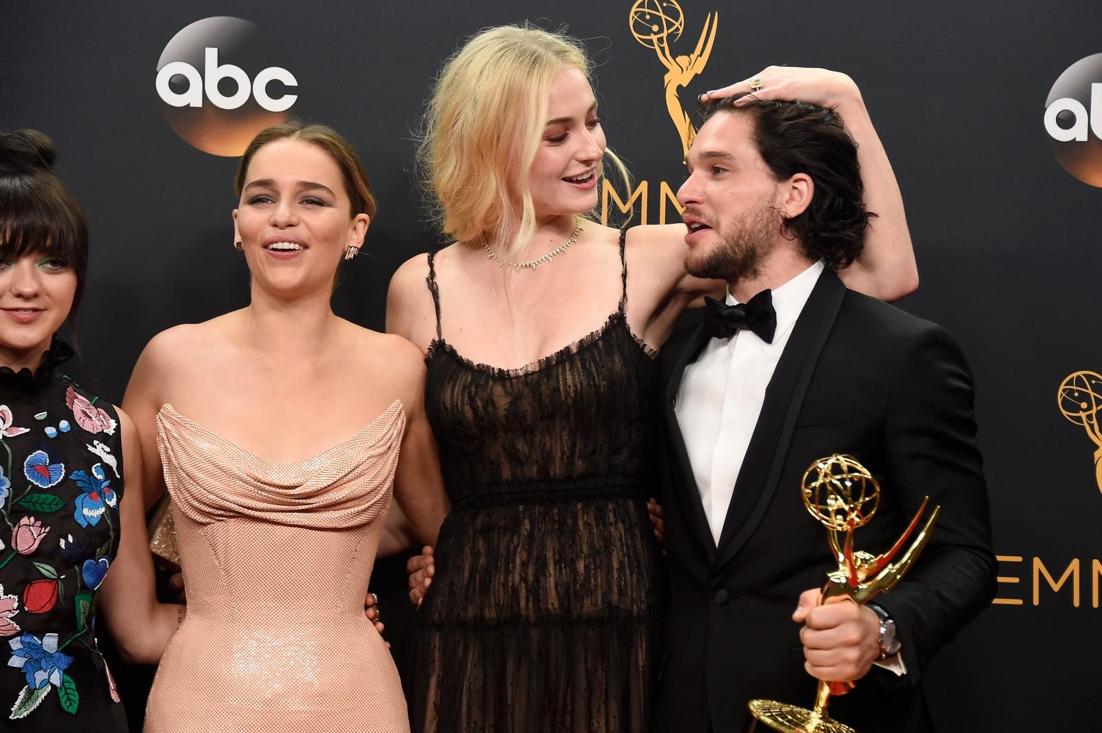 Game of Thrones Emilia Clarke and Sophie Turner