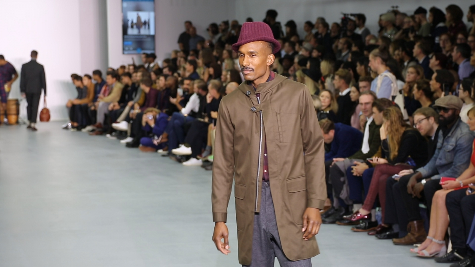 Oliver Spencer teams up with app Vero to allow audience to buy designs live from the catwalk