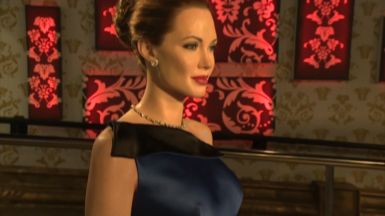 Madame Tussauds separates wax figures of Angelina Jolie and Brad Pitt