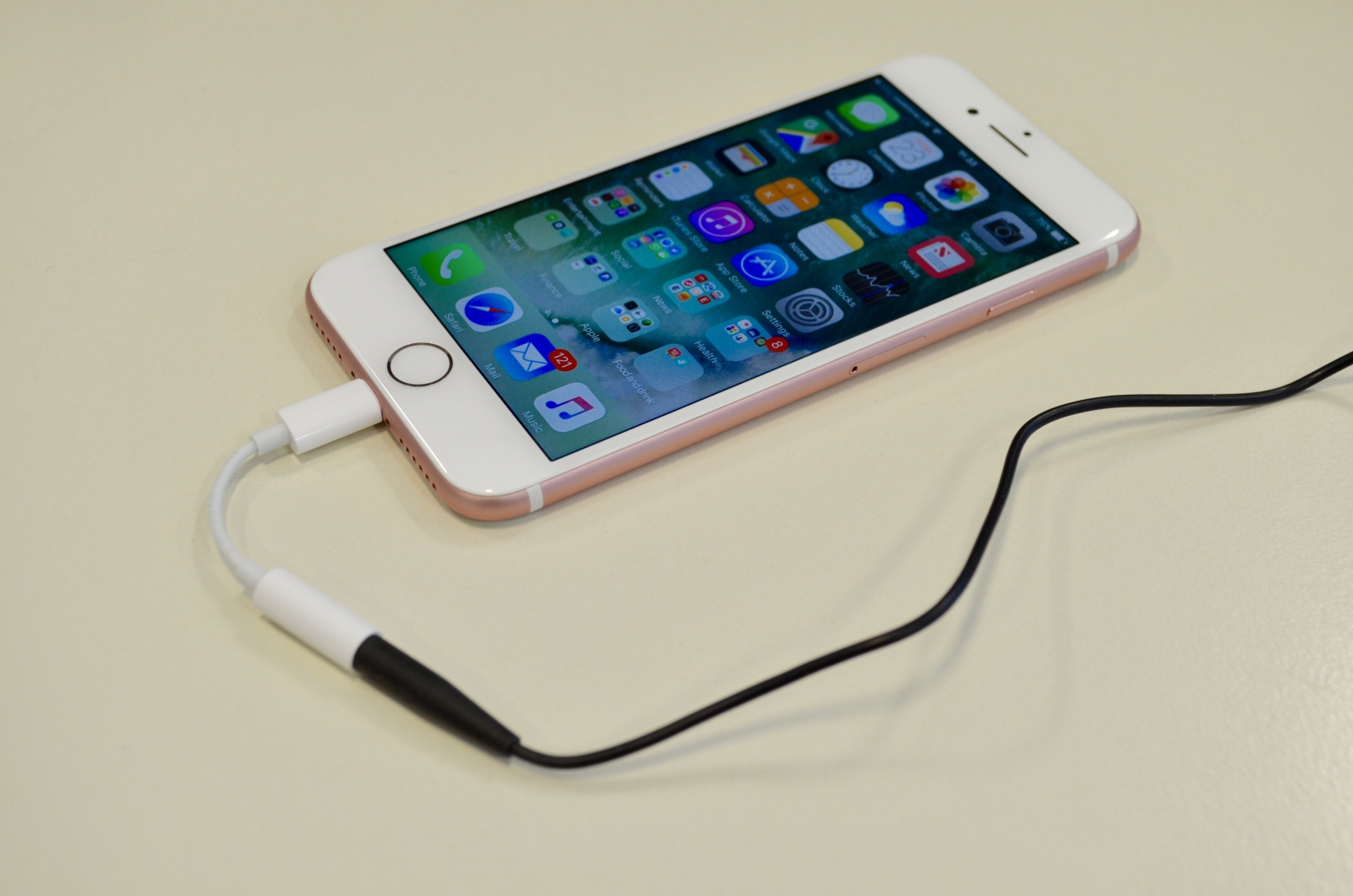 iPhone 7 headphone adapter