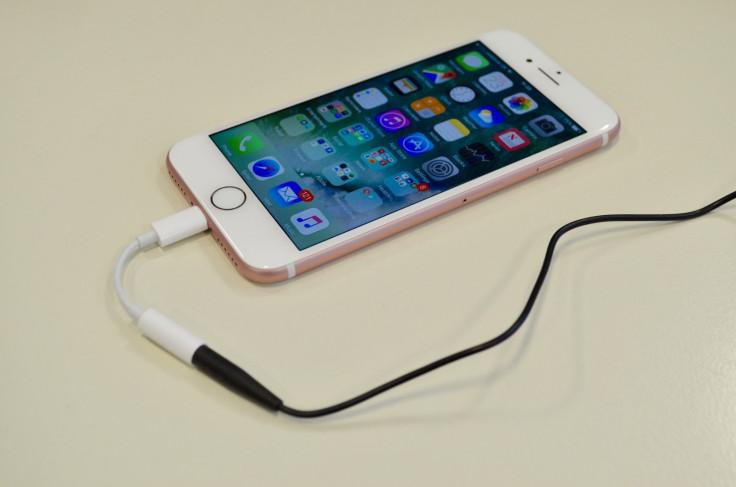 iPhone 7 headphone adapter